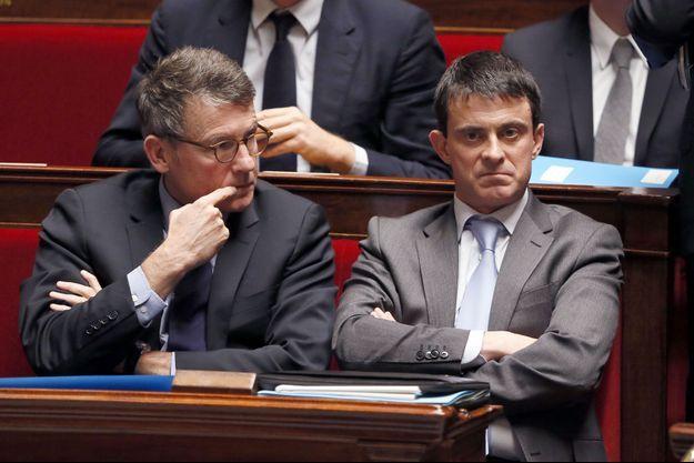 Vincent Peillon et Manuel Valls, ministres du gouvernement Ayrault, à l'Assemblée nationale en janvier 2013.