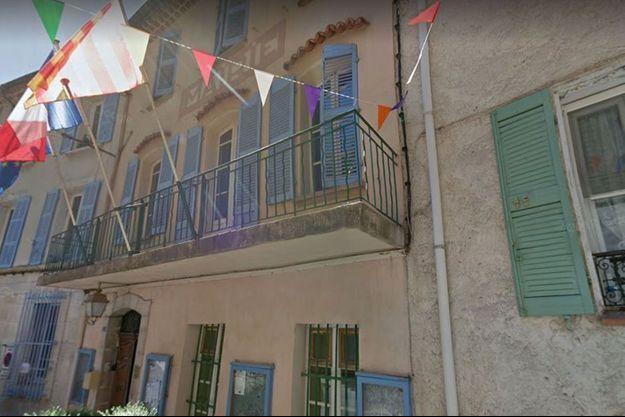 La mairie de Signes.