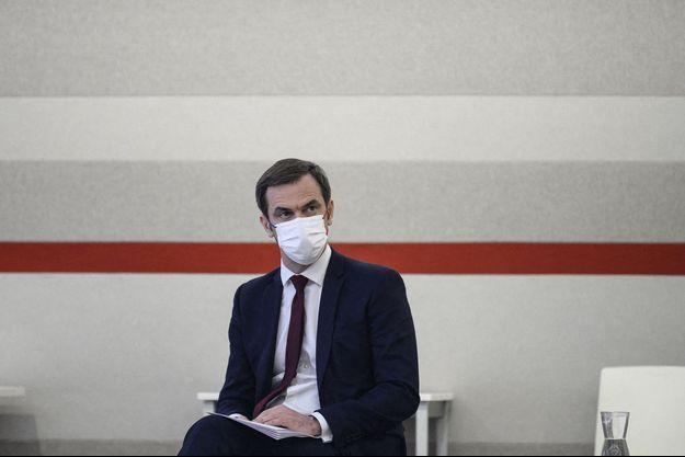 Olivier Véran, jeudi lors de la conférence de presse de Jean Castex.