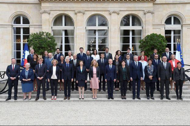 Le nouveau gouvernement autour d'Edouard Philippe et d'Emmanuel Macron.