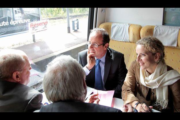 François Hollande et Delphine Batho prennent le train le 24 avril.