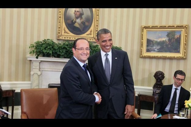 Vendredi 18 mai, 10 h 50. François Hollande est accueilli par Barack Obama.