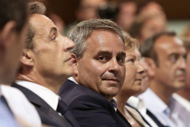 L'ancien chef de l'Etat Nicolas Sarkozy et le président de la région Hauts-de-France, Xavier Bertrand, en 2016.