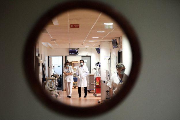 Une unité de soins intensifs à l'hôpital de Tours, en avril 2021 .