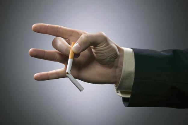 """Le tabac, l'alcool, une mauvaise alimentation et l'obésité sont responsables de 40% des cancers """"évitables"""", selon les derniers chiffres des autorités de santé."""
