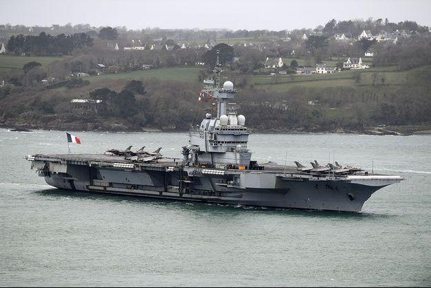 Le porte-avions Charles-de-Gaulle à Brest le 13 mars dernier.