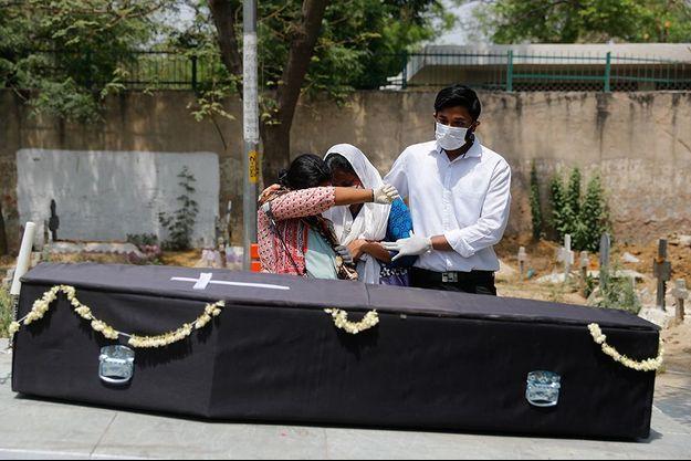 La situation en Inde ne s'améliore pas, avec 3.645 morts du Covid-19 ce jeudi.