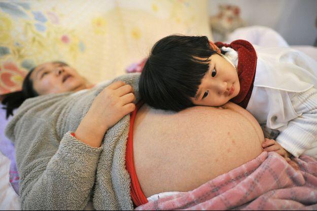 Une femme enceinte en Chine. (photo d'illustration)