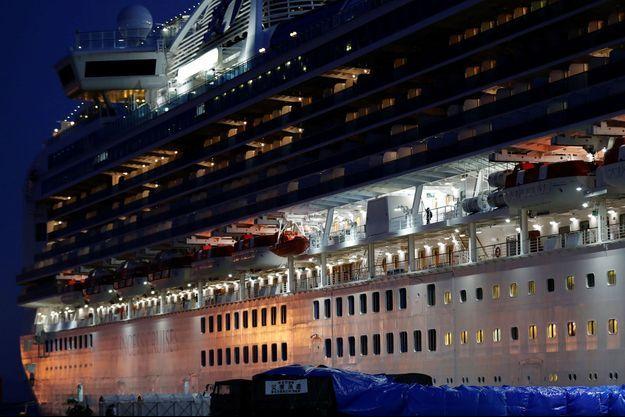 Le Diamond Princess est toujours au large de Yokohama.