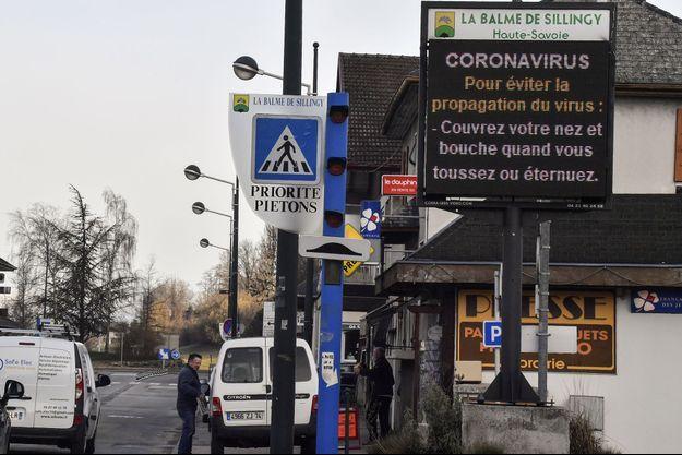 En Haute-Savoie, des messages de prévention sont affichées.