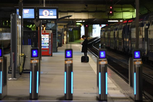 Des quais gare Montparnasse, à Paris.