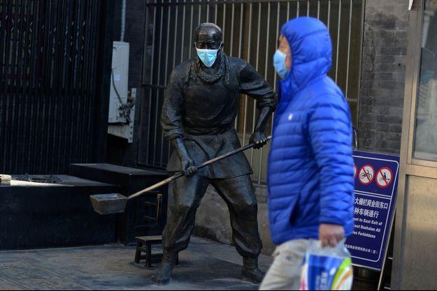 Un directeur d'hôpital à Wuhan succombe au coronavirus