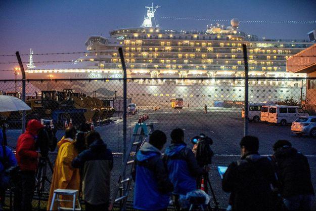 Le Diamond Princess dans le port de Yokohama.