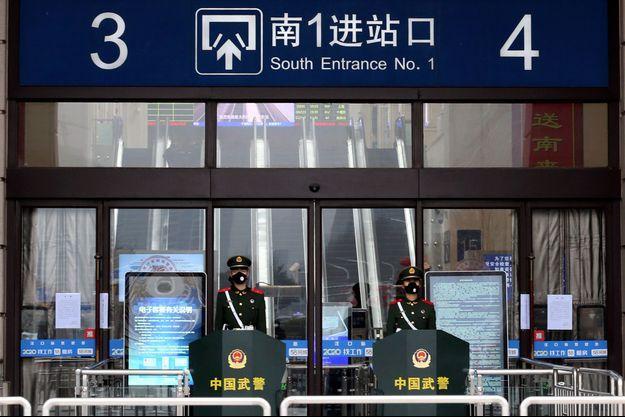 La ville de Wuhan est placée en quarantaine.