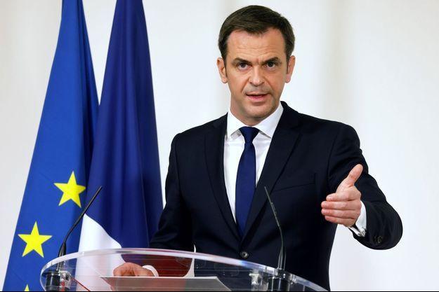 Le ministre de la Santé Olivier Véran à Paris, le 11 mars 2021.