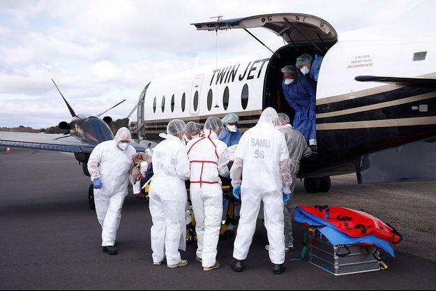 Des patients sont transférés de Lille à Vannes, en Bretagne.