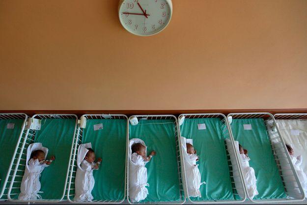 Les enquêteurs ont dénombré 22 cas d'adoptions illégales et 24 cas de ventes d'ovaires dans le cadre de trafic d'un montant supérieur à 500.000 euros depuis 2016, selon la police. (Photo d'illustration)