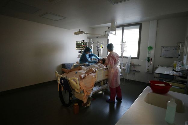 Service de réanimation de l'hôpital Pasteur de Nice, le 27 novembre 2020.