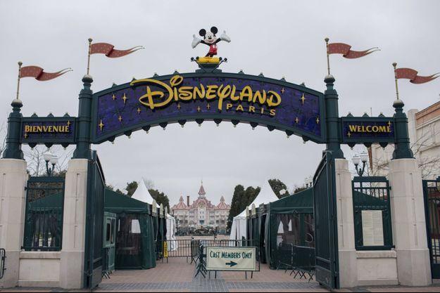 L'entrée du parc Disneyland Paris.
