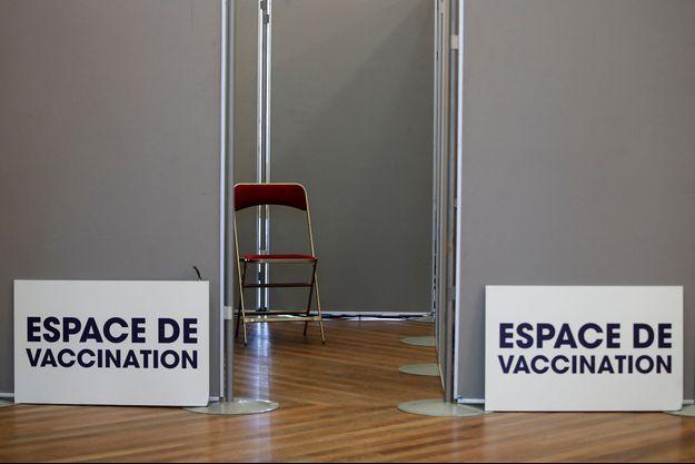 Faute de doses de vaccin, des rendez-vous sont reportés à Paris.