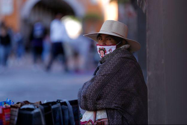 """Masque """"traditionnel"""" à Santiago de Querétaro, au Mexique, 15 février 2021."""