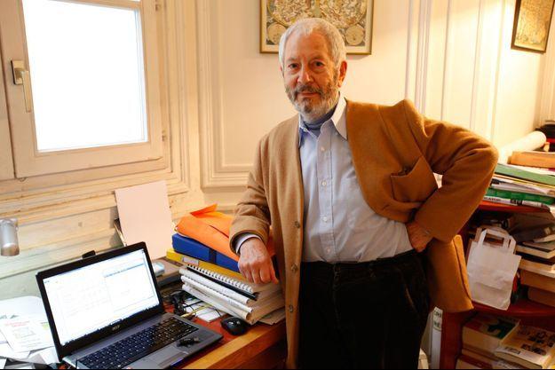 Robert Vachy, chez lui, à Versailles, le 13 octobre.