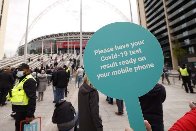 La finale de la Coupe d'Angleterre entre Chelsea et Leicester a servi d'évènement test pour accueillir du public avant la réouverture des stades dans le pays.