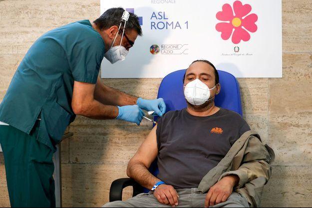 Vaccination à Rome, en Italie.