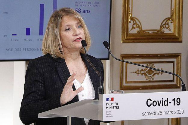 Karine Lacombe lors d'une conférence de presse à Matignon, en mars dernier.