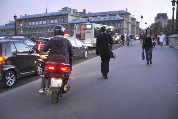 Embouteillages du soir à Paris.
