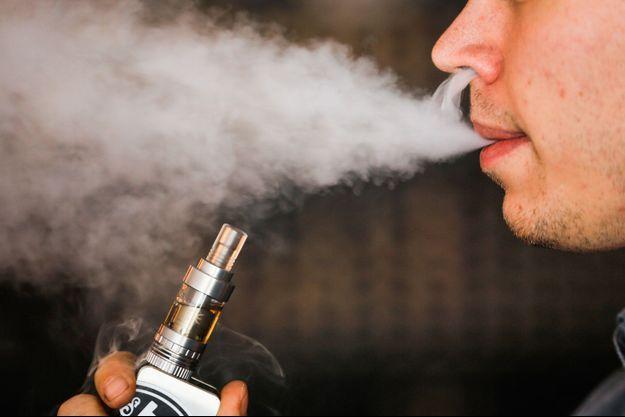 Les e-cigarettes représentent un danger majeur pour la santé publique, d'après un rapport du Médecin en chef des Etats-Unis.