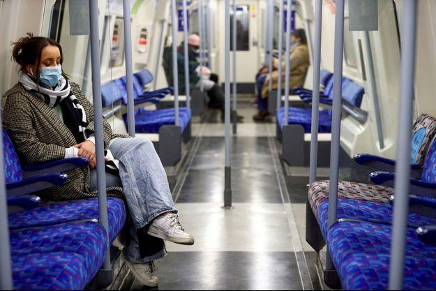 Photo prise dans le métro londonien.