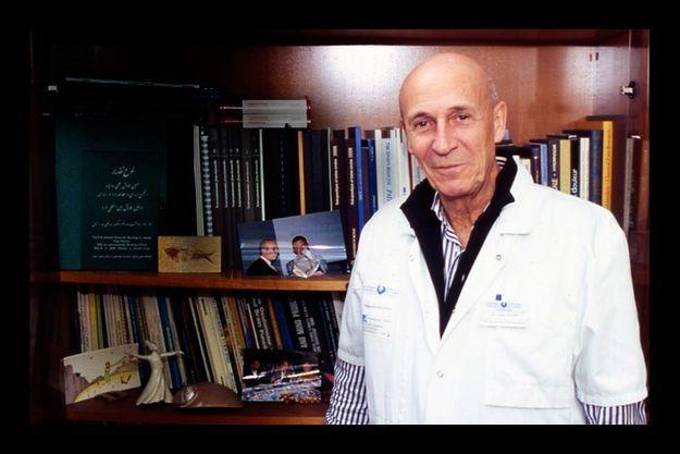 Le Pr Dominique Valade, neurologue, chef du service Urgence céphalées à l'hôpital Lariboisière, explique les bénéfices du rizatriptan.