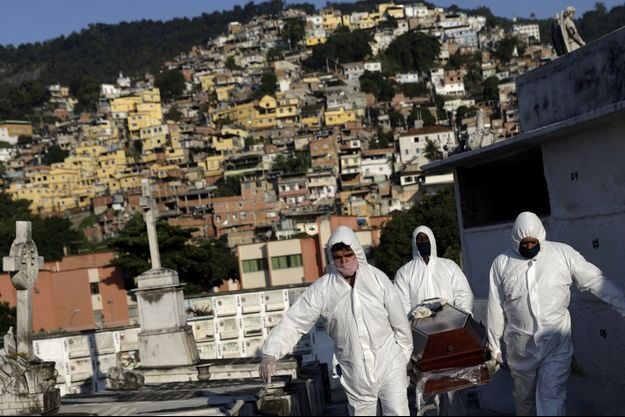 Au Brésil, la situation est catastrophique, comme ici à Rio de Janeiro.