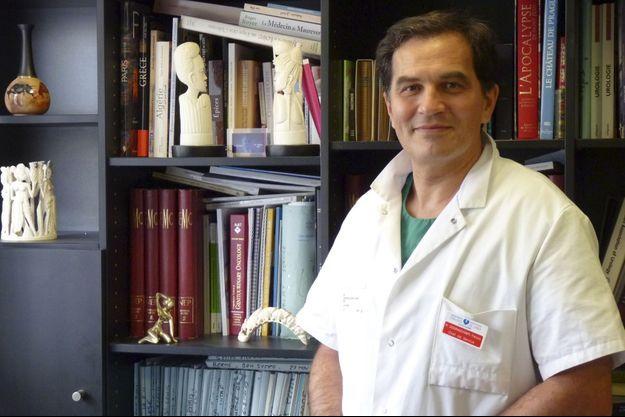 Le professeur François Desgrandchamps, chef du service d'urologie et de transplantation à l'hôpital Saint-Louis - université Paris VII.