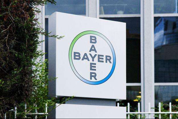 Le stérilet Mirena, fabriqué par le laboratoire Bayer, est mis sous surveillance par les autorités de santé, après un pic de déclarations de nouveaux effets secondaires.