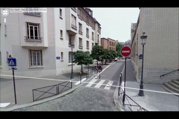 La place du Cardinal-Amette à Paris.