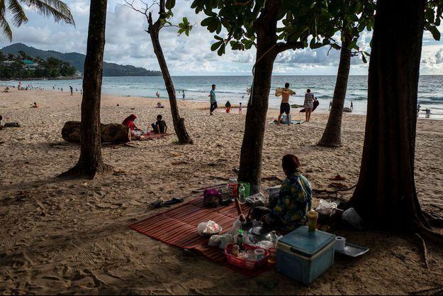L'île de Phuket en Thaïlande parait bien vide sans les touristes.
