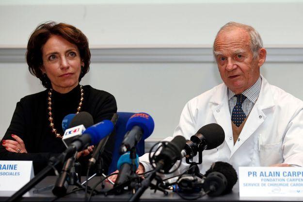 La ministre de la Santé, Marisol Touraine, et le professeur Alain Carpentier