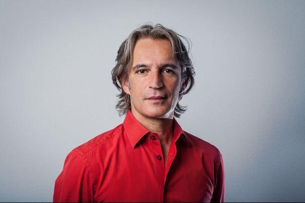 """Olivier Maguet, cadre de Médecins du Monde, responsable de la campagne """"Le prix de la vie""""."""