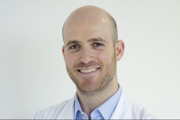 Dr Benjamin Sarfati, chirurgien spécialiste en chirurgie plastique esthétique et reconstructrice