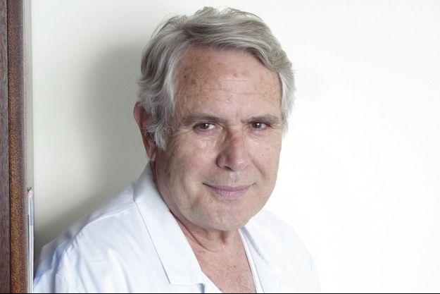 Le Pr Jean-Noël Fabiani* explique l'importance de centres dédiés aux urgences aortiques.