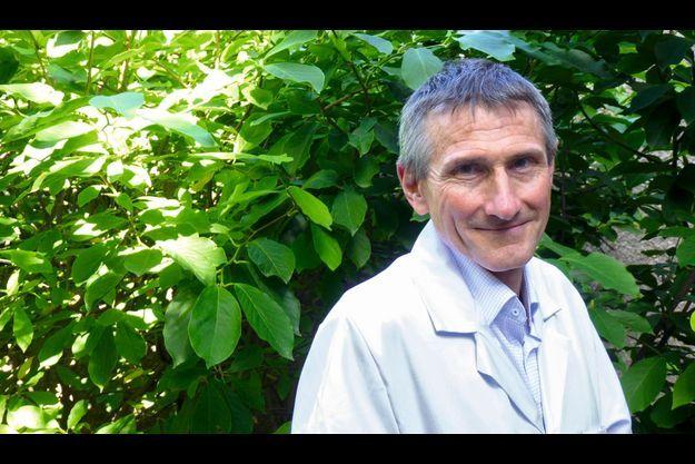 Médecin du sport et cardiologue à l'hôpital Pontchaillou de Rennes.