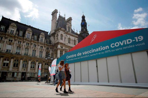 Six personnes ont été mises en examen dans le cadre d'une enquête sur un trafic de faux certificats de vaccination contre le Covid-19 (image d'illustration).