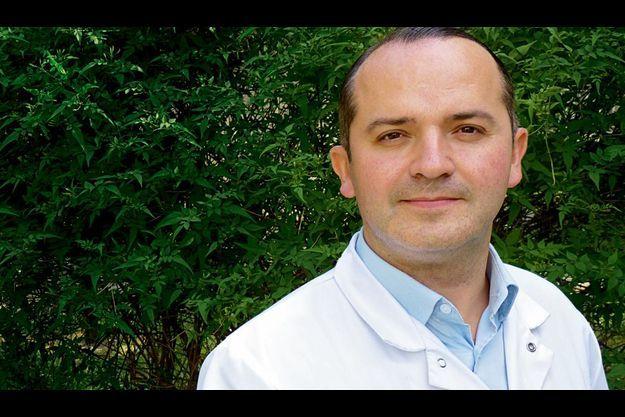 Dr Eric Konofal