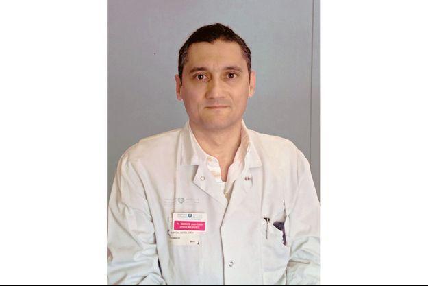 Le professeur Pr Jean-Louis Bourges, Responsable des urgences ophtalmologiques à l'hôpital Cochin