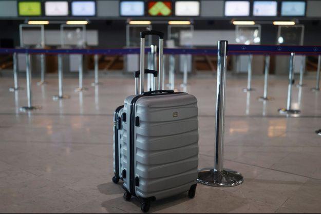 Une valise à l'aéroport parisien Roissy-Charles de Gaulle (image d'illustration).
