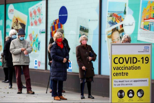 Un centre de vaccination dans le Kent, en Angleterre.