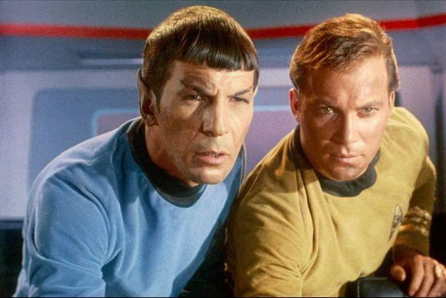 Leonard Nimoy et William Shatner, dans la série Star Trek, en 1966.