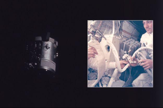 À gauche, le module de service endommagé après l'explosion d'un réservoir d'oxygène, photographié après son largage à 300000 kilomètres de la Terre. Les trois hommes se sont réfugiés à bord Lem, qui n'a en réalité que deux places. À droite, L'équipage bricole et fait du Lem un «canot de sauvetage » : Opération bricolage pour faire baisser la teneur en CO2 . Les astronautes (Jack Swigert de face), aidés à distance par une équipe de dix personnes, confectionnent un adaptateur grâce à des sacs en plastique, du carton et du ruban adhésif afin de pouvoir utiliser les cartouches de rechange des filtres à air du module de commande dans le Lem.